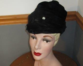 Women's Black Velvet with One Large Rhinestone - Cloche Hat  - Union Made 50's Hat