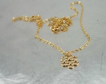 Gold Flower Necklace, Little gold Flower , Gold Flower Pendant, 14k Gold Filled, Delicate Pendant, Bridesmaid Gift, For Her, Bridal Gift