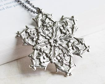 Large Antiqued Silver Plated Snowflake Pendant Necklace on Gunmetal Black Chain