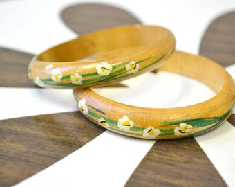 1970s Pair of Floral Painted Bangle Bracelets