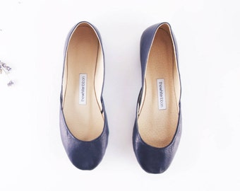 The Classic Ballet Flats in Dark Navy Blue