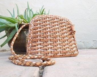 Vintage Womens Cem Natural Tan Brown Beige Leather Woven Briaded Purse Shoulder Bag Handbag Satchel Crossbody Boho Native Aztec Southwestern
