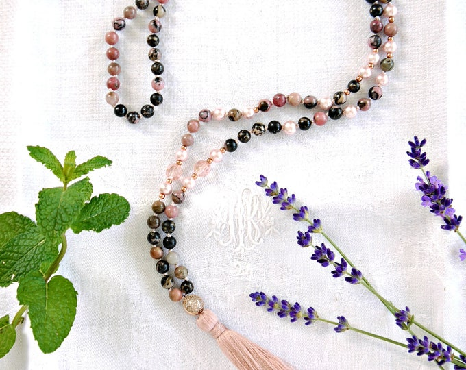 Rhodonite tassel necklace with pink czech glass beads and glass pearls, mala necklace, pink handknotted mala, gemstone necklace