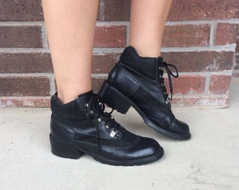 vtg 90s BLACK lace up MOTORCYCLE BOOTS 9.5 chunky two tone suede heels booties punk goth grunge ankle shoes