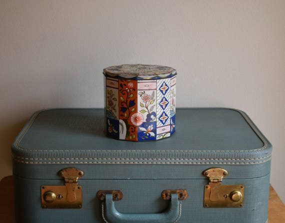 Vintage English Tin Can - Farmhouse, Shabby Chic, Boho