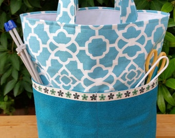 Bucket Style Knitting Bag with lots of Pockets, White Lining, Inner Pocket, Blue Lattice Cotton and Teal