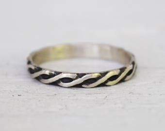 Silver Helix Band - Sterling Silver Infinity Band - Celtic Knotwork Ring - Simple Wedding Band - Gift For Her - Stacking Ring - Pattern Band