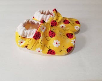 ladybug baby shoes lady bug moccasins vegan shoes girl baby booties daycare baby shoes indoor shoes indoor slippers  toddler shoes red