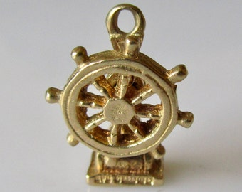 9ct Gold Ships Wheel Moving Charm