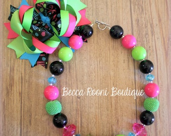 Bubblegum Necklace and Matching Bow Set Bubbelgum, Black and Pink Bubbglegum Necklace