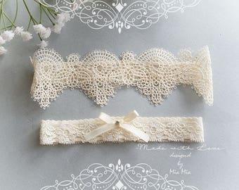 Ivory Beige lace garter set, cream lace wedding garter, bridal garters bow rhinestone wedding lingerie accessories Elegance keepsake garter