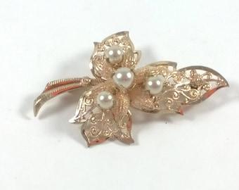 Leaf Pearl Brooch - Vintage Gold Tone Leaves Pin - Retro Costume Jewellery - 1960s