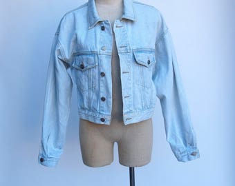 90s light wash oversized denim jacket size small