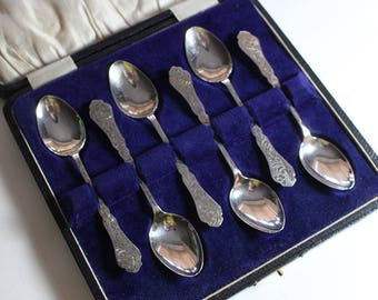 Ornate Leaf Pattern Set of 6 Boxed Sterling Silver Hallmarked Tea Spoons Teaspoons A J Bailey 1923