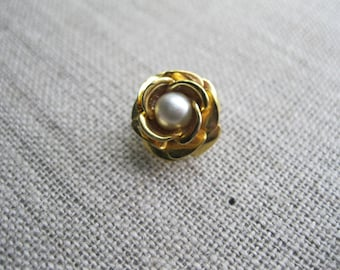 Gold Toned Rose Lapel Pin with Pearl Accent, Golden Rose Lapel Pin, Gold Rose Stick Pin, Rose and Pearl Stick Pin, Vintage Lapel Pin