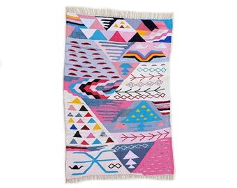 "67""X46"" Handwoven moroccan kilim rug, boucherouite rug, handmade rug, geometric pattern, colorful rug, chic ethnic, moroccan decor"