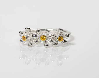 Daisy ring with Citrine. Sterling Silver with Golden Yellow Citrine Gemstone