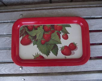 VINTAGE STRAWBERRY SERVING Tray,Beverage Tray,Snack Tray,Kitschy Vintage,Kitchen and Dining,Country Kitchen