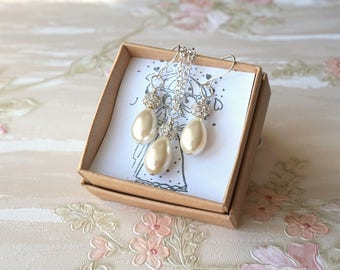 Ivory Bridesmaid Jewelry Set of Necklace and dangle Earrings Wedding Jewelry Set Bridesmaid Gift Drop Pearl Jewelry Set Bridal Party Gift