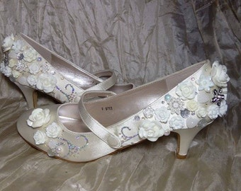 ivory shoe,kitten heel,low heels,Bridal shoes,vintage shoes,customised shoes,bespoke shoes,wedding, prom shoes,crystal shoes,pearls, shoes,