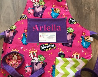 Toddler shopping personalized apron made from licensed fabric