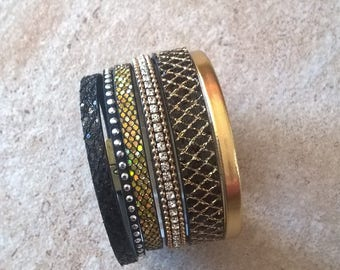 Cuff bracelet leather glitter black and gold