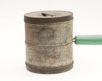 Green Handled Flour Sifter Tin Vintage Antique