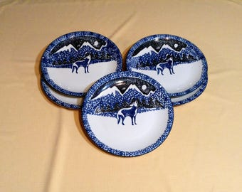 "Set of 5 Large Blue & White Wolf Serving Plates - Spotted Picture, Wolf in Mountains - Folk Craft, by Tienshan - 10 1/2"" diameter"