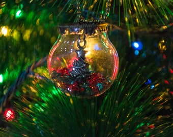 Christmas decorations, Christmas ornaments, Christmas tree decorations.
