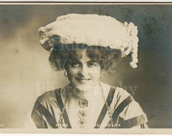 Miss Marie Studholme Edwardian Actress Stage Theatre  RPPC Postcard - G W Faulkner - Unposted - Antique Postcard