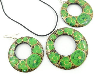Vintage Green Flower Necklace Set, Earrings, Cord, Hooks, K21