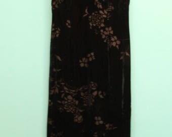 Black Velvet Maxi Evening Dress in Women's Size 10 (A velvet maxi burnout evening dress with a 33 inch waist.)