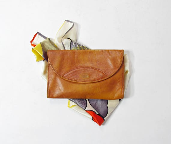 70s great vintage look honey brown genuine leather clutch made in Brazil