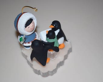 Hallmark Frosty Friends Eskimo & Singing Penguins Ornament 1998 # 19 Collector's Series
