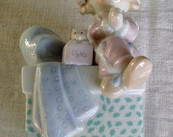 Precious Moment's 1991 girl night light