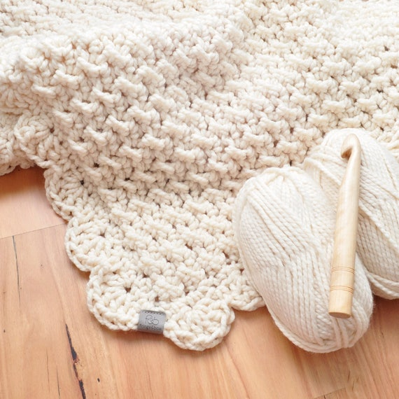The Marshmallow • Throw • Crochet Chunky Knit • Colour: VANILLA
