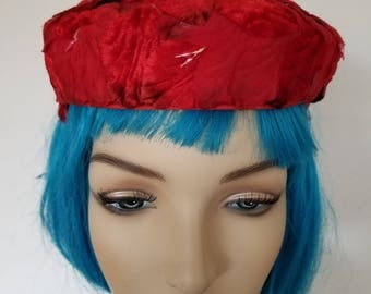Vintage Womens Scarlet Red Pillbox Fascinator Hat 1950's-1960's, Millinery, New Never Worn Dead Stock, Beautiful!