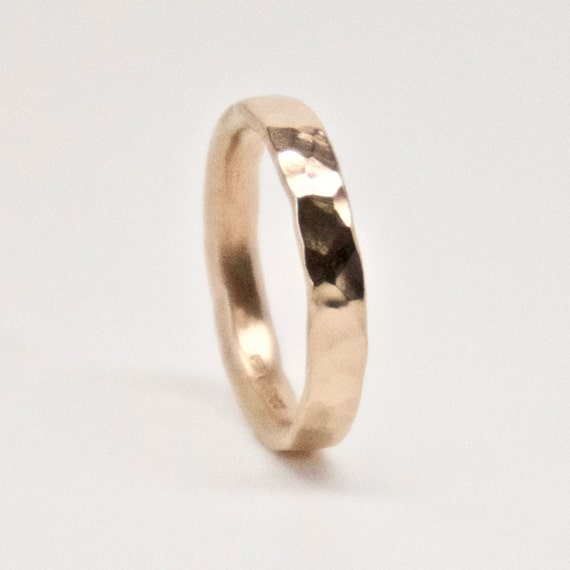 Wedding Ring in Rose Gold 18 Carat - Hammered Texture