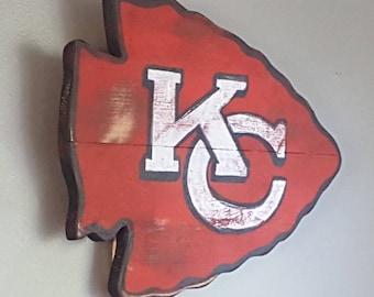 Kansas City Chiefs Arrowhead. KC Chiefs, reclaimed wood arrowhead, gift for man, man cave, sports decor,pallet wood arrowhead, tailgating