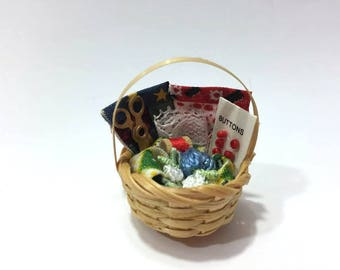 Miniature Sewing Basket Dollhouse Miniature 1:12 Scale Dollhouse Supply Diorama Shadow Box Accessory Scissors Yarn Buttons Fabric - 472 B