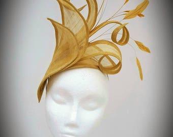 Gold Fascinator, Wedding Fascinator, Mother of the Bride hat, Royal Ascot Fascinator, Occasion Hatinator, Ladies Day Headpiece, Gold Hat