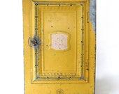 SALE! Vintage Metal Bread Box. Yellow. Galvanized. Shabby. Chippy. Pie Safe. Storage Cabinet. Farmhouse Kitchen. Kitchen Decor. Industrial