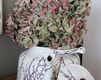 Old Kettle makeover - romantic - vintage Kettle aluminum customized in a shabby chic style