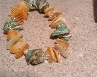 Seashells and beads elastic bracelet