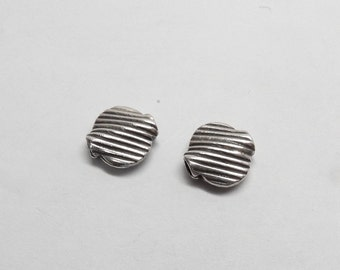 BB16 Four (4) 12 mm Bali Sterling Round Puffy Lentil Saucer Bead with Diagonal Line Pattern 12mm