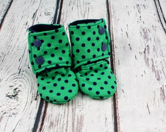 boy baby booties - dots baby shoes - baby boots - stay on booties - fleece baby booties - 6-9 month baby slippers - baby shower gift