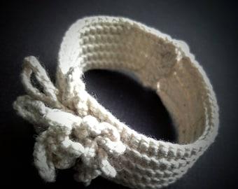 "Cotton bracelet ""Rococo""."