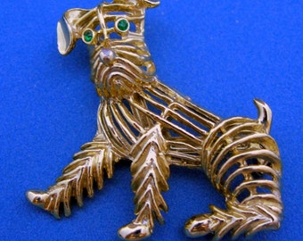 Vintage Gerry's Gold Tone Figural Terrier Dog Pin Brooch Green Rhinestone Eyes