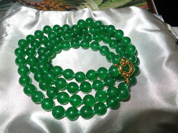 """Lovely 8mm natural green jade knotted longline necklace 36"""""""