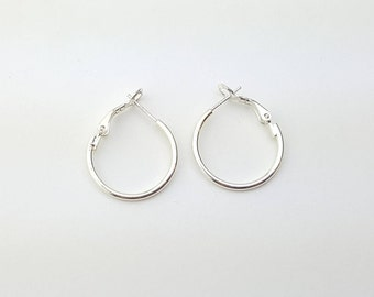 Vintage Sterling Silver Classic Round Spring Latch Back Hoop Earrings